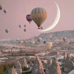 Crescent-Moon-Ballon-Allison-Bagg